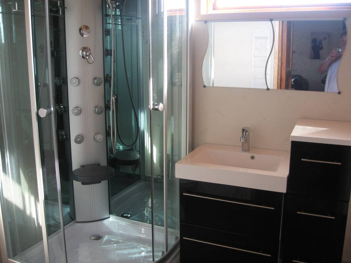 1e luxery bathroom